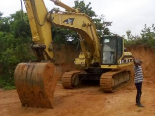 320 Excavator for lease